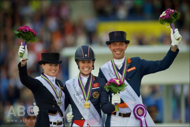 v.l. Kristina Böring-Sprehe (GER), Charlotte Dujardin (GBR) und Hans Peter Minderhoud © Arnd Bronkhorst