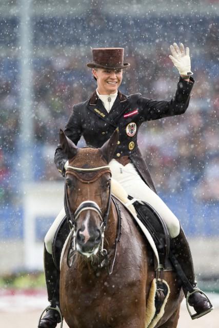 Victoria Max-Theurer und Blind Date konnten trotz Fehler eine gute Prüfung absolvieren © OEPS | Tomas Holcbecher
