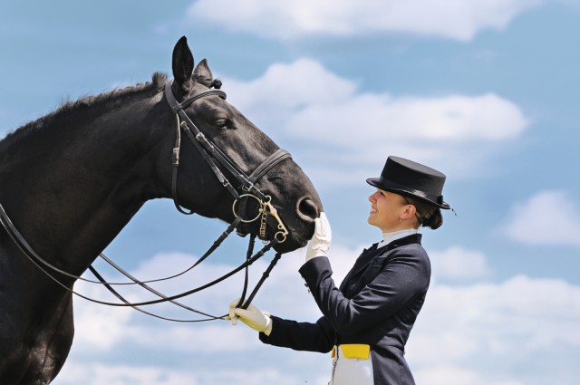 Freude nach einem Sieg ist absolut berechtigt, negative Emotionen solltest du nicht in den Sattel mitnehmen. © Shutterstock / Pirita