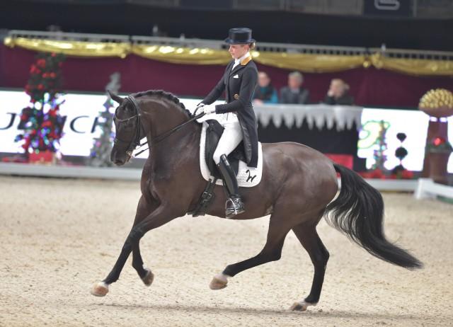 Beatrice Buchwald (GER) glänzte zusammen mit Weihegold OLD im Jerich Dressage Grand Prix. © Fotoagentur Dill