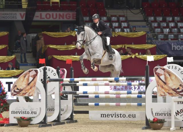 Mevisto Teamreiter Roland Englbrecht (OÖ - hier auf Chambery) wurde mit © Fotoagentur Dill