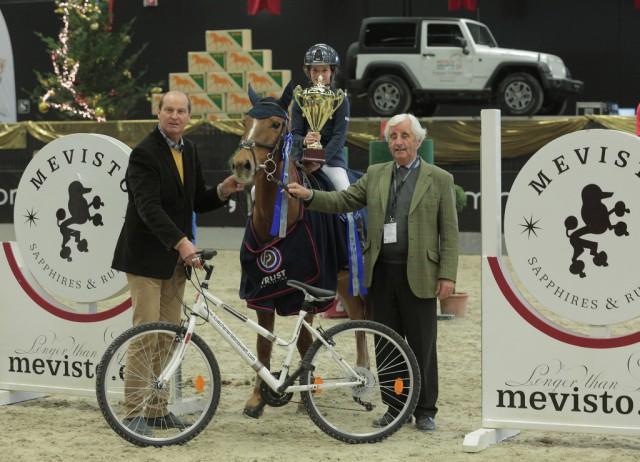 Ludovica Goess-Saurau und Lilly Vanilly waren die Besten im Orthovet Pony Grand Prix. © Fotoagentur Dill