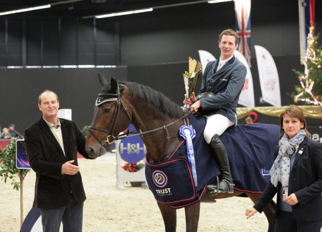 Felix Haßmann (GER) und Barolo triumpfierten im CSI2* Alpenspan Big Tour Opening. © Fotoagentur Dill