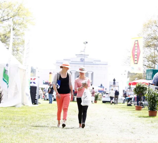 Das Pferdefestival Redefin ist vom 29. April bis zum 1. Mai Sporttreffpunkt und Ausflugsziel zugleich. © Thomas Hellmann
