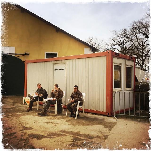 Auch die fleißigen Helfer beim Austria's CDI at Easter gönnen sich die verdiente Mittagspause. © Michael Rzepa