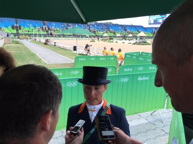 Frustrierend! Adelinde Cornelissen musste ihren Olympischen Grand Prix in Rio de Janeiro abbrechen. © EQWO.net - Ruth Büchlmann