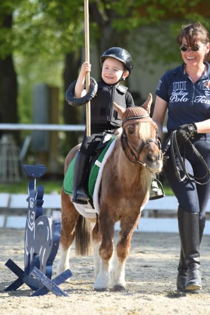 Die kleinen Worker zeigen beim Kinder-Pferd-Fest am Familien-Donnerstag ihr Können. © Christian Prandl