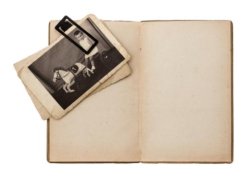 Tagebuch schreiben macht den Kopf frei - Trainingstagebücher helfen den Überblick zu bewahren! © Shutterstock / Lili Graphie