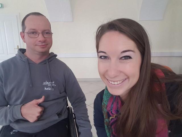 EQWOtv Reporterin Delphine besucht Para-Dressurreiter Michael Knauder