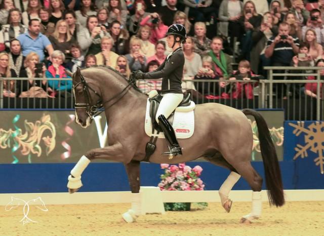 Valegro und Charlotte Dujardin bei ihrem Auftritt im Rahmen von Olympia, The London International Horse Show. © Kit Houghton