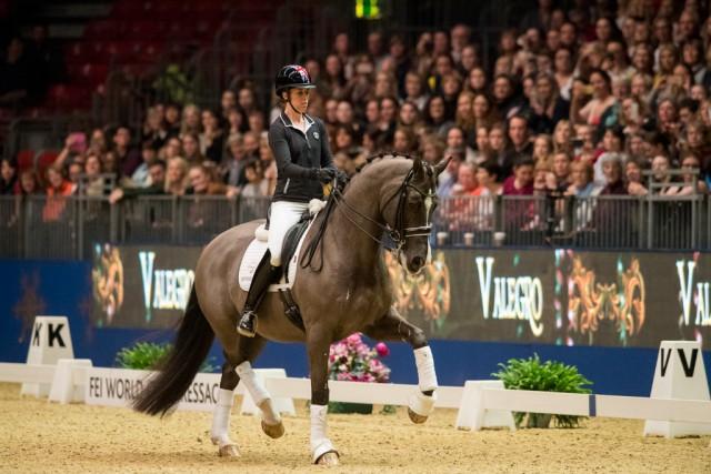In einer Masterclass zeigten Charlotte Dujardin und Valegro dem Publikum der London International Horse Show nochmals ihr Können. © Jon Stroud