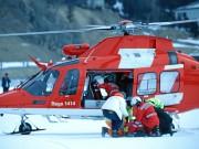 Der Jockey von Boomerang Bob, George Baker aus Großbritannien, musste mit dem Helikopter ins Krankenhaus gebracht werden. © swiss-image.ch