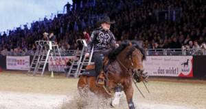 Verena Klein triumphiert im Böckmann-Reining Cup bei der EQUITANA. © Carola Steen