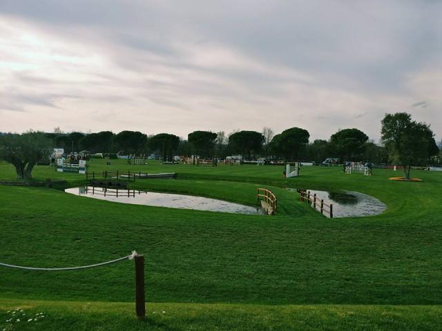 Der wunderschöne Parcours des Equestrian Centers in Arezzo. © Arezzo Equestrian Center Facebook