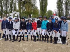 Die TeilnehmerInnen des EQWO.net Pony Grad Prix Linz-Ebelsberg. © EQWO.net / DKB