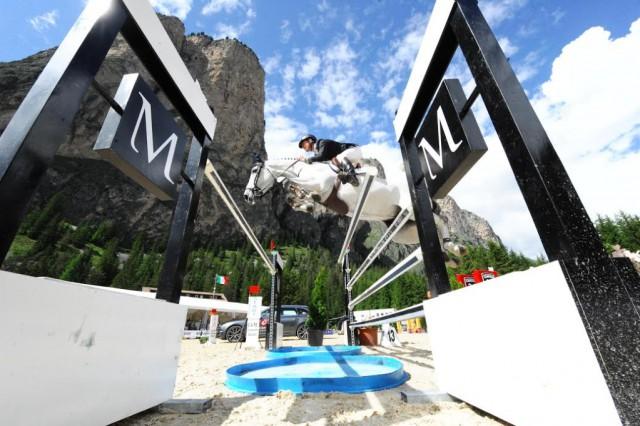 Das Südtiroler Turnier findet von 6. bis 9. Juli in Wolkenstein statt. © Dolomites Horse Show