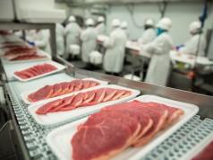 Das mit Medikamenten kontaminierte Pferdefleisch war nicht für den Verzehr als auch die Tierfutterproduktion geeignet. © shutterstock / El Nariz
