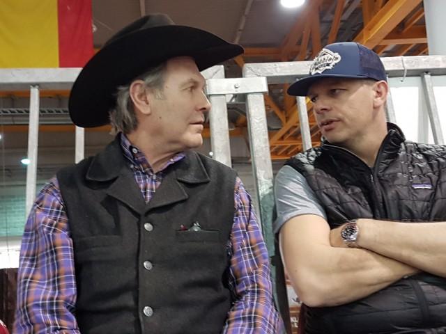 NRHA Million Dollar Rider Rudi Kronsteiner und Chuck Klipfel im Gespräch. © EQWO.net / CM