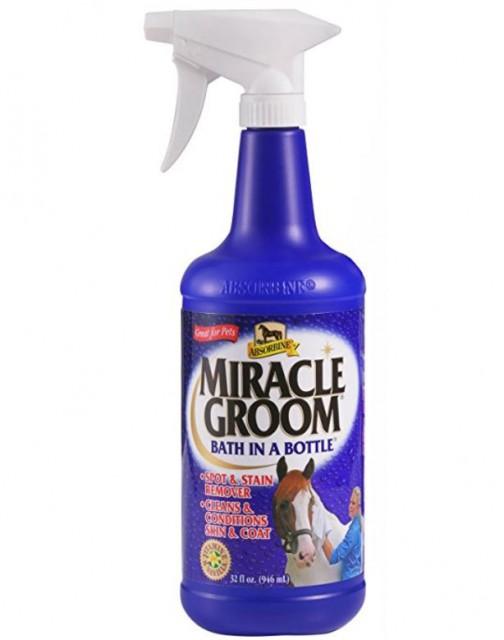 Kein Wasser? Kein Problem! Mit Miracle Groom werden eure Pferde auch ohne ein Bad wieder sauber. © Miracle Groom