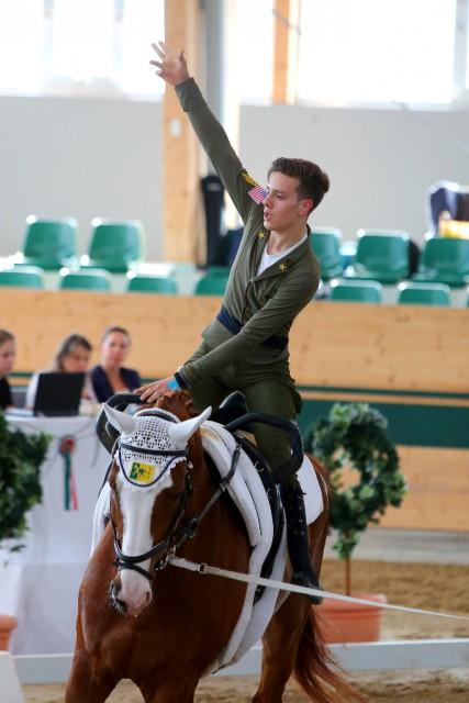Giovanni Bertolaso (ITA) turnte im Einzel der Junioren Herren auf seinem Pferd Monaco Franze zu einem Gesamt Score von 7,571 und belegte Platz eins. © Andrea Fuchshumer