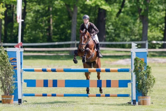 Mit seinem zweiten Pferd Quidor holte sich Etzel Platz drei in der CCI2*. © Michael Graf