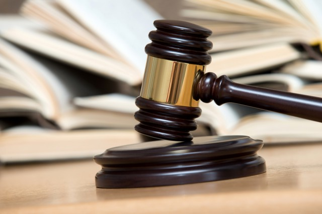 Das FEI Tribunal hat elf vorläufige Sperren wegen Dopings wieder aufgehoben. © shutterstock / Pakhnyushchy