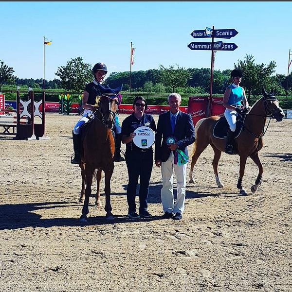 Ludovica Goes-Saurau und Lilly Vanilly gewinnen die zweite Etappe des EQWO.net Pony Grand Prix. © EQWO.net