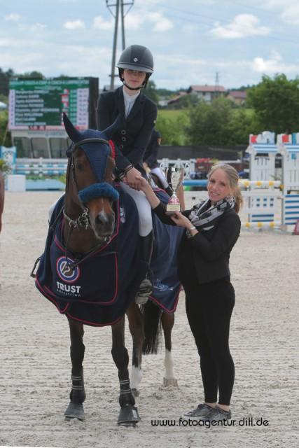 Margherita Fiorelli (ITA9 feierte in der Pony Small Tour bei den Amadeus Junior Specials in Lamprechtshausen heuten den Sieg. © Fotoagentur Dill
