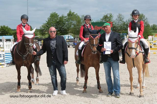 Das Pony Team Austria wurde dritter beim Nations Cup bei den Amadeus Junior Specials in Lamprechtshausen mit Panni auf Rang zehn. © Fotoagentur Dill