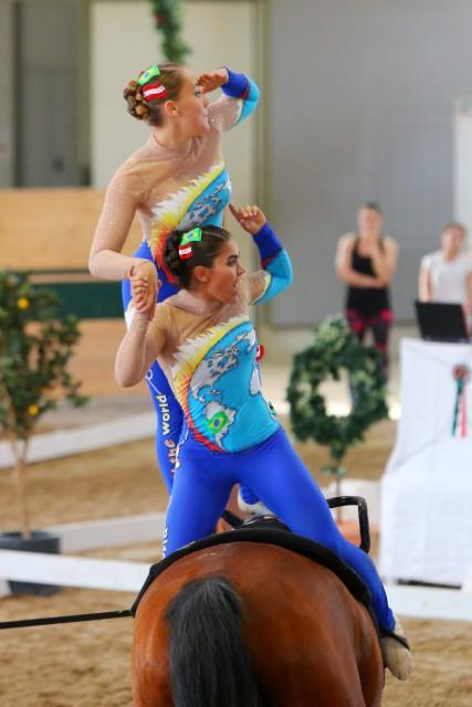 Clara Köpke und Lara Maurer (VG Gratwein/ST) liegen nach der ersten Runde auf Platz eins (8,080) im Junioren Pas de deux. © Andrea Fuchshumer