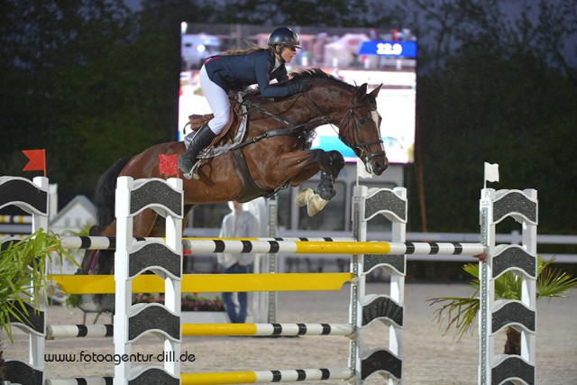 Nina Pangersic (CZE) konnte den heutigen EY Cup bei den Amadeus Junior Specials in Lamprechtshausen gewinnen. © Fotoagentur Dill