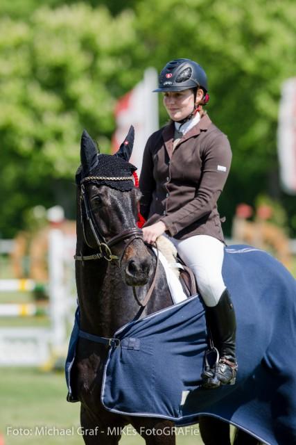 Sophie Schiesser heißt die Siegerin der CCI2*-Prüfung auf der Ther. MilAk in Wr. Neustadt. © Michael Graf