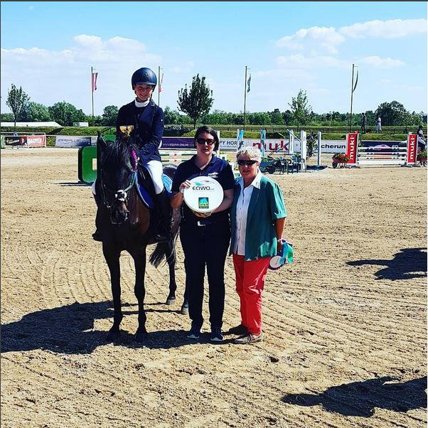Selina Terler und Happy Soul gewinnen den Petit EQWO.net Pony Grand Prix in Lassee. © EQWO.net