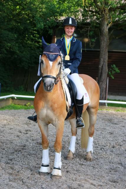 Der Vizemeistertitel in der Klasse der Haflinger ging an Lisa Pribil-Sumetsberger mit Mystery vom Tannenberg. © Selma Hönigschnabel