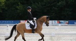 Lucie-Anouk Baumgürtel (GER) und Zinq Massimiliano FH holten bei der Pony EM in Kaposvar nach Team Gold nun auch Gold im Einzel. © facebook FEI European Championships for Ponies 2017
