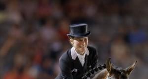 Die Freude ist ihr förmlich ins Gesicht geschrieben. Tolle Runde für Helen Langehanenberg und Damsey welche mit einem Sieg im 4-Sterne Grand Prix belohnt wurde. © Stefan Lafrentz