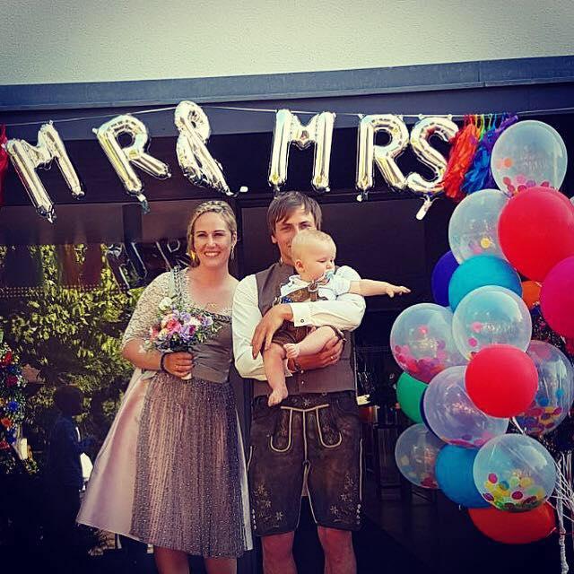 Mr. and Mrs. Rhomberg gaben sich im engsten Kreis das Ja-Wort. © facebook Resi Rhomberg-Rochelt