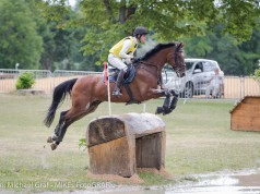 Felix Vogg and Onfire are in the lead in the CIC2*. © Michael Graf