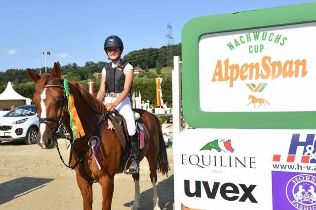 Die junge Elisabeth Knaus sicherte sich am Wochenende in Preding den Finalsieg im Alpenspan Nachwuchs Cup. @ privat