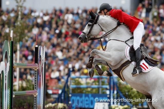 Bis zu 1.65 m hoch und 2.00 m tief waren die Oxer, die Max Kühner und Chardonnay bei den Europameisterschaften in Göteborg (SWE) bewältigen mussten. © Stefan Lafrentz