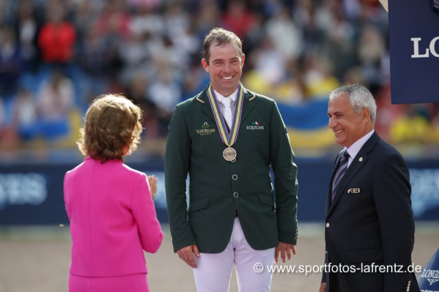 Cian O'Connor wurde von der schwedischen Königin mit der Bronzemedaille bei den Europameisterschaften in Göteborg (SWE) 2017 geehrt. © Stefan Lafrentz