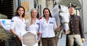 outfit.macher machts möglich! Österreichs Dressur Ladies Belinda Weinbauer, Victoria Max-Theuerer und Astrid Neumayer sehen top aus. © OEPS