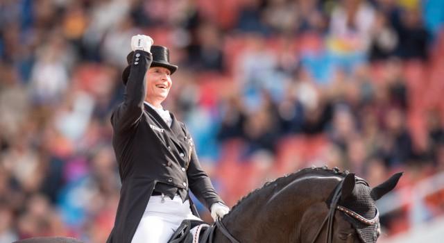 Für das kommende Monat wird Isabell Werth (GER) maximal ein PS steuern. Die Olympiasiegerin wurde geblitzt und kassierte ein Monat Führerscheinentzug. © Arnd Bronkhorst