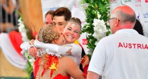 Bei ihrer ersten Championats Teilnahme holten Viktoria Feldhofer und Anna Krippl vom CRG Styria sensationell WM Gold für Österreich im Junioren Pas de deux. © Im|press|ions - Daniel Kaiser