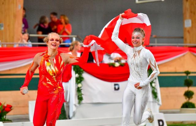 Viktoria Feldhofer und Anna Krippl vom CRG Styria freuen sich über WM Gold beim Heim Championat in Ebreichsdorf. © im|press|ions – Carolin Kowsky / Daniel Kaiser