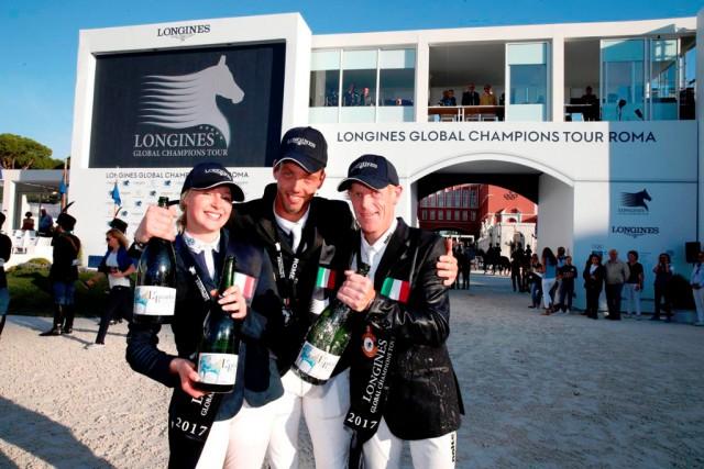 Der Niederländer Harrie Smolders (Mitte) gewinnt die Gesamtwertung der  Longines Global Champions Tour. © LGCT / Stefano Grasso