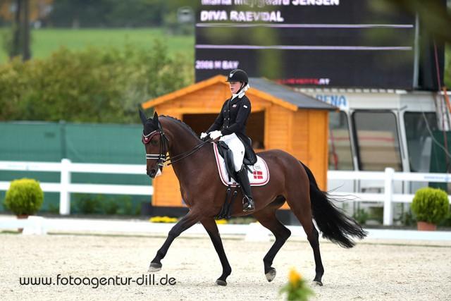Maria Mejlgaard Jensen (DEN) und Diva Raevdal gewinnen den Preis der Firma Fixkraft. © Fotoagentur Dill