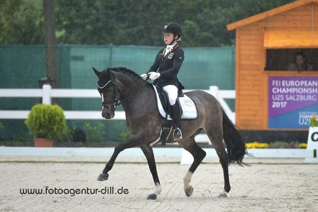 Jana Lang und Nur Fuer Dich belegten Platz zwei in der Interationalen Pony Tour in Lamprechtshausen. © Fotoagentur Dill