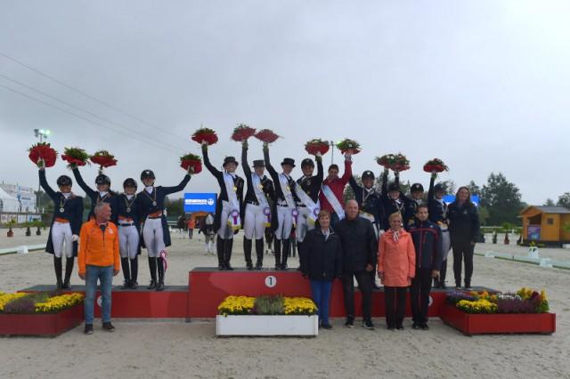 Die Teammedaillen der U25 Dressur EM gehen an Deutschland (Gold), die Niederlande (Silber) und Schweden (Bronze). © Fotoagentur Dill