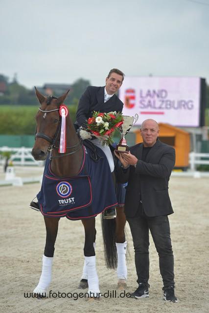 CDI3* Grand Prix Sieger von Lamprechtshausen: Uwe Schwanz (GER) und der erst 9-jährige Hermes 134. © Fotoagentur Dill